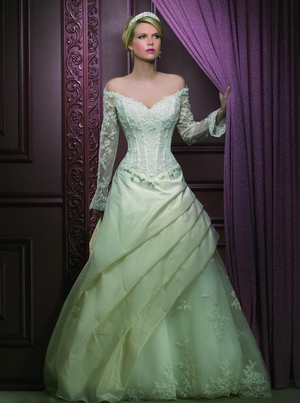 Green Lace Wedding Dresses with Sleeves